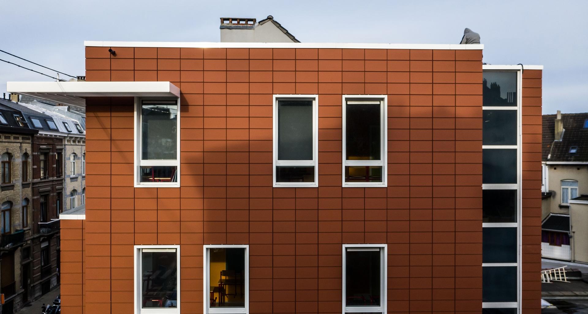 Bardages façades en terre cuite + crepis Bruxelles