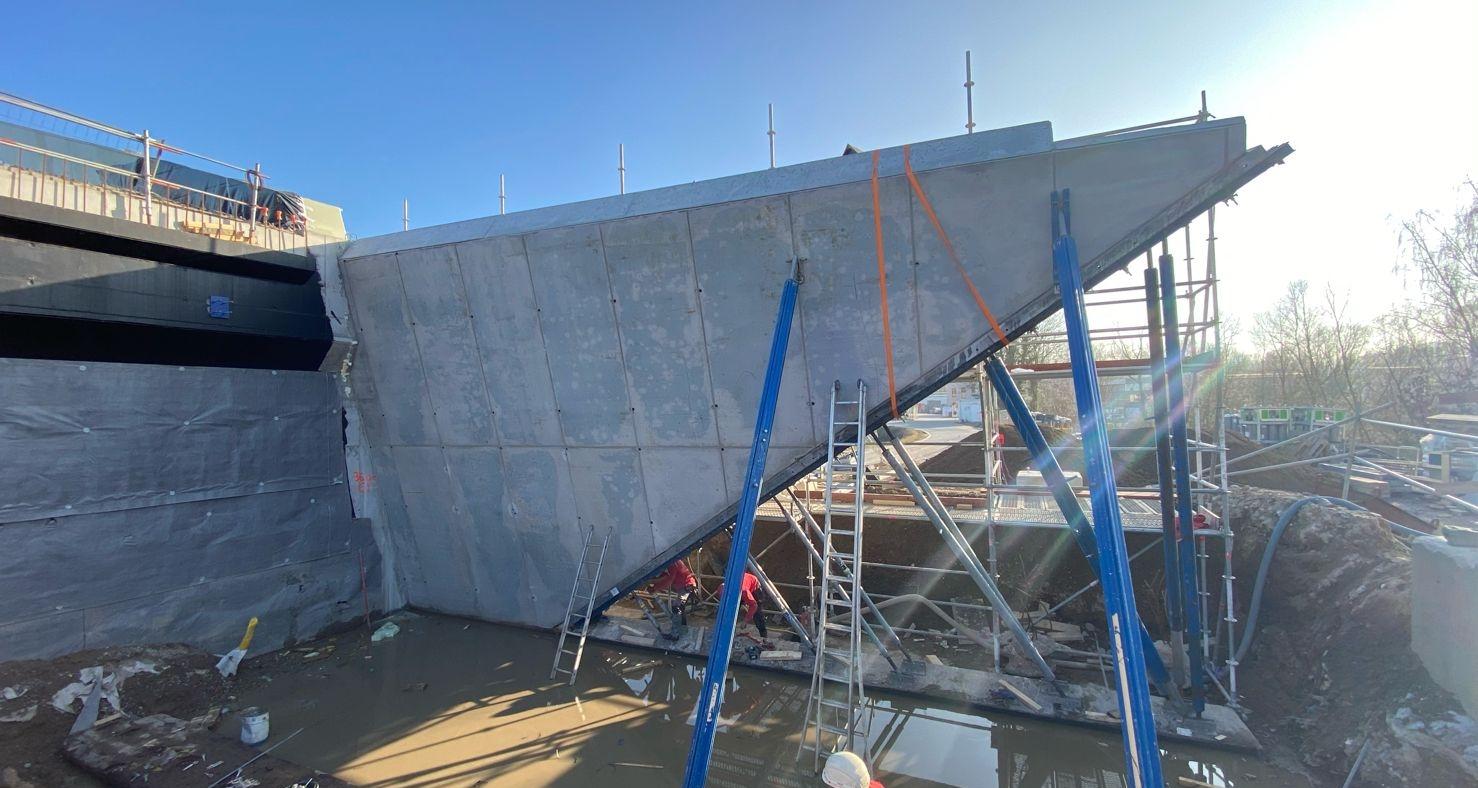 Bridge construction - formwork and concrete
